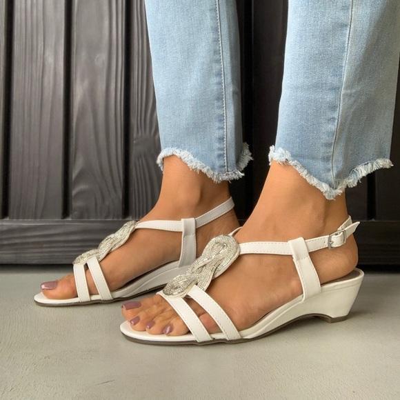 6937931a7 White Beaded Slingback Kitten Heel Dressy Sandal. NWT. Macy s